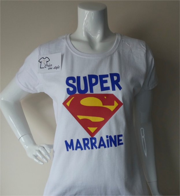 "Tee shirt ""super marraine"""